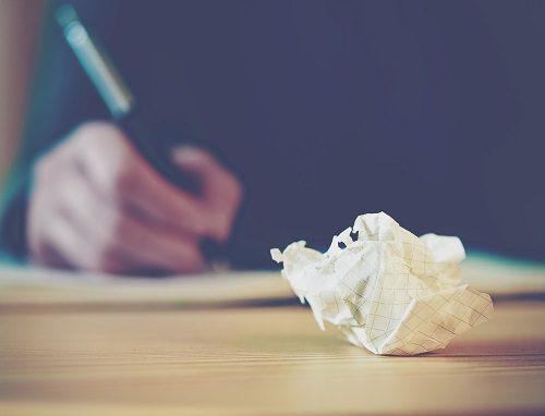 popieriaus gniužulas - neatitiktis